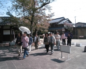 向源寺へ向かう